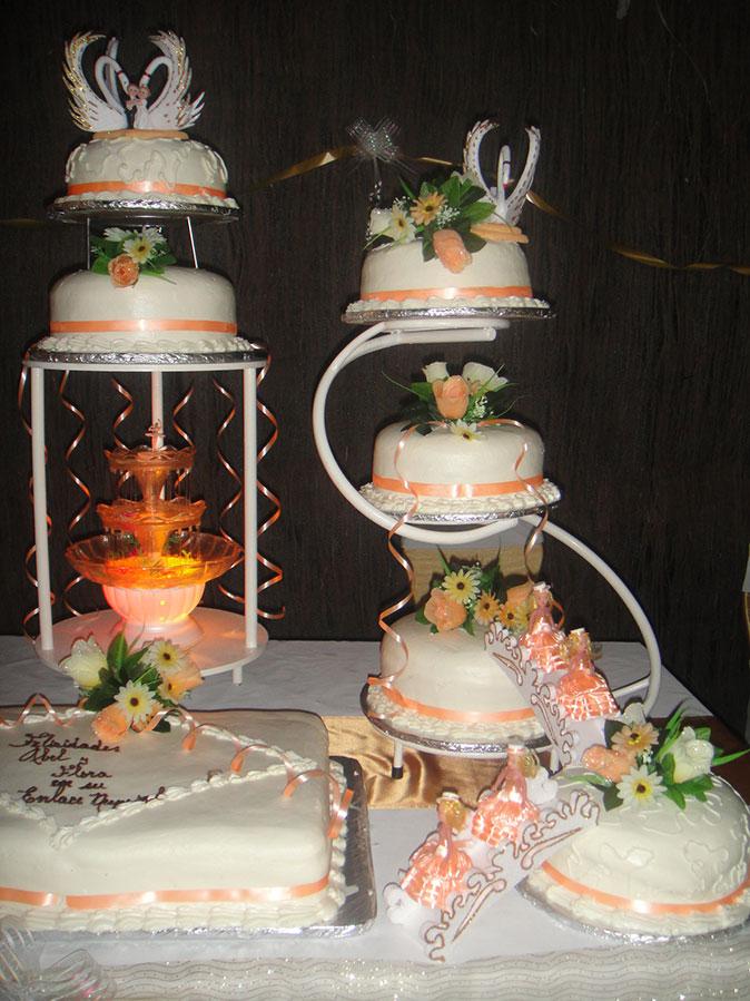 pasteles de boda fuente de agua